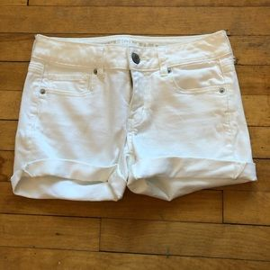 American Eagle white jean shorts size 4